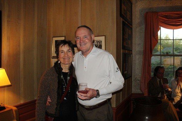 Linda Olsen, Ken Thomas
