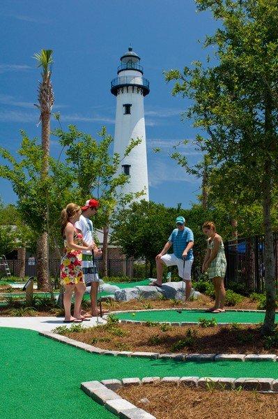Neptine.Park.Fun.Zone.teenagers.day.golf.jpg