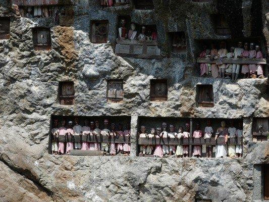 Wall of tau-taus