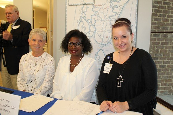 Ann Granger, Viola Baker, Reagan Lussier