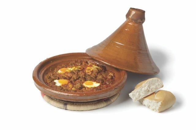 Moroccan Kefta Mkaouara in a tagine