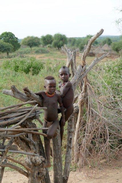 Hamar boys playing on fence