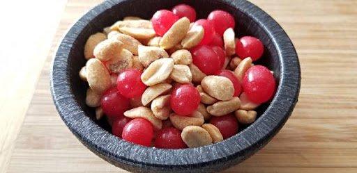Peanuts red hots