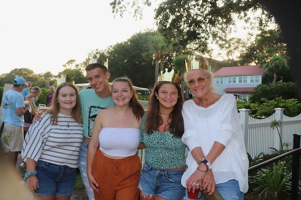 Marie Haynes, Payton, Lizzie, Ali and Stacey Schwartz