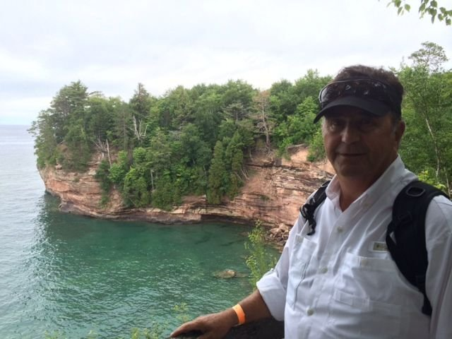 Pictured Rock Lakeshore2.jpg