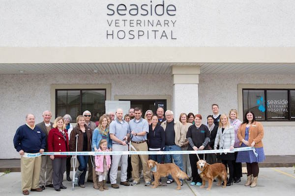 Seaside Vets Ribbon Cutting.jpg