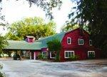Bennie's Red Barn