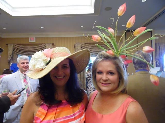 Lori Fiveash, Wendy Capes