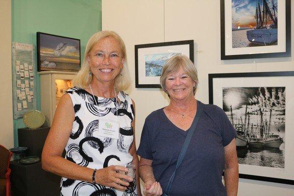 Deborah Wright, Peggy Brodnax