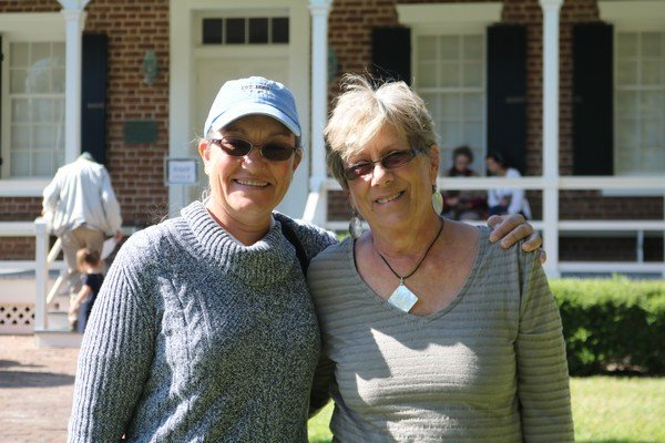 Linda Lott, Mary Smith