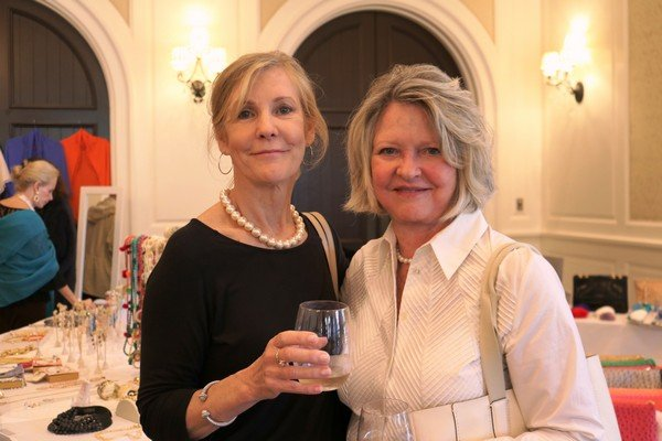 Linda Cooper, Dianne Abernathy