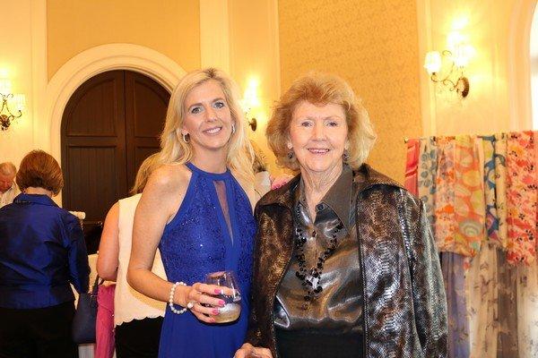 Stacey Wilson, Linda Walker