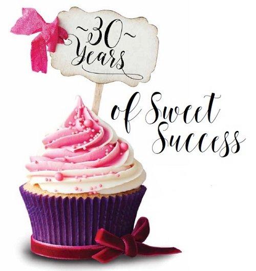 30 Year Anniversary Cupcake.jpg