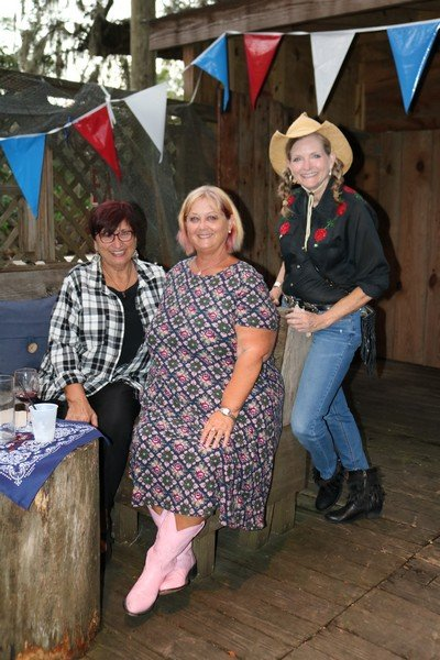 Judi Kelley, Robin White, Linda Kelly