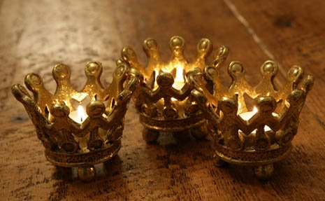 3 Kings Crowns.jpg